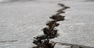 Írán zasáhlo zemětřesení o síle 5,8 stupně, zraněno bylo nejméně 25 lidí - anotační foto