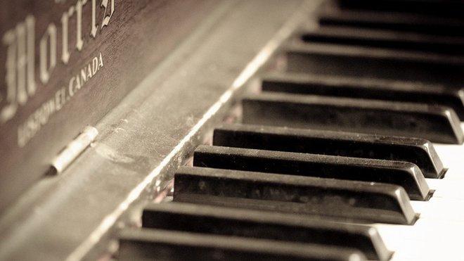 Klavír, ilustrační fotografie