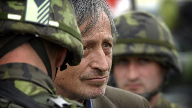 Ministr obrany Martin Stropnický mezi vojáky