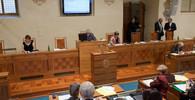Česko proti Evropské unii: Senát chce mírnější snižování emisí vozidel - anotační obrázek