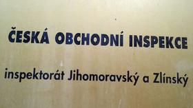 V Česku se objevila nebezpečná svítilna. Může vás zabít proud, varuje ČOI - anotační foto