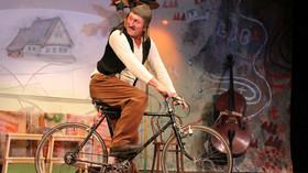 Oldřich Navrátil v jedné z rolí ve Studiu Ypsilon. Foto: J. Cernoch