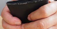 Rouškovné: Všichni důchodci dostanou příspěvek 5000 korun, schválila Sněmovna - anotační obrázek