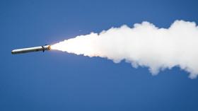 Odpálená ruská střela země-vzduch.
