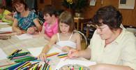 Děti s pedagogy, ilustrační fotografie