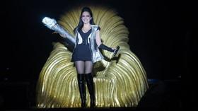 Šestnáctinásobná Zlatá slavice Lucie Bílá řádila v pražské Tip Sport Aréně prvním vystoupením v sérii mega koncertů Černobílého turné 2014.