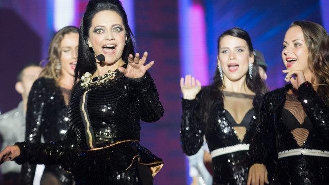 Lucie Bílá řádila v pražské Tip Sport Aréně prvním vystoupením v sérii mega koncertů Černobílého turné 2014.