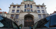 Na pražském magistrátu zasahuje policie, k výslechu byli předvoláni i politici - anotační obrázek