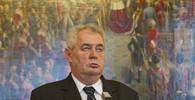V Podbořanech přišlo na setkání se Zemanem sto lidí, otázky musel klást starosta - anotační obrázek