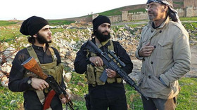 Potupný masakr: Bojovníky IS přepadla skupina divočáků a dala jim co proto - anotační foto