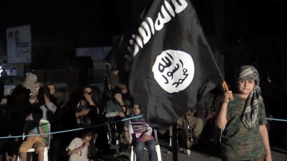Islámský stát. Děti přesvědčeni, že IS je ten nejlepší svět.