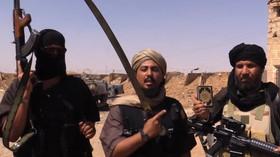 Islámský stát přišel o strategické letiště u přehrady Tabka, které prý hrozí protržení - anotační foto