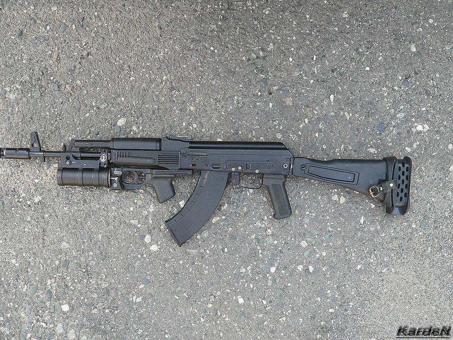 Puška AK-103 s granátometem | CC BY-SA 3.0