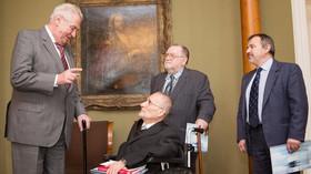 Prezident Miloš Zeman s předsedou Národní rady osob se zdravotním postižením Václavem Krásou