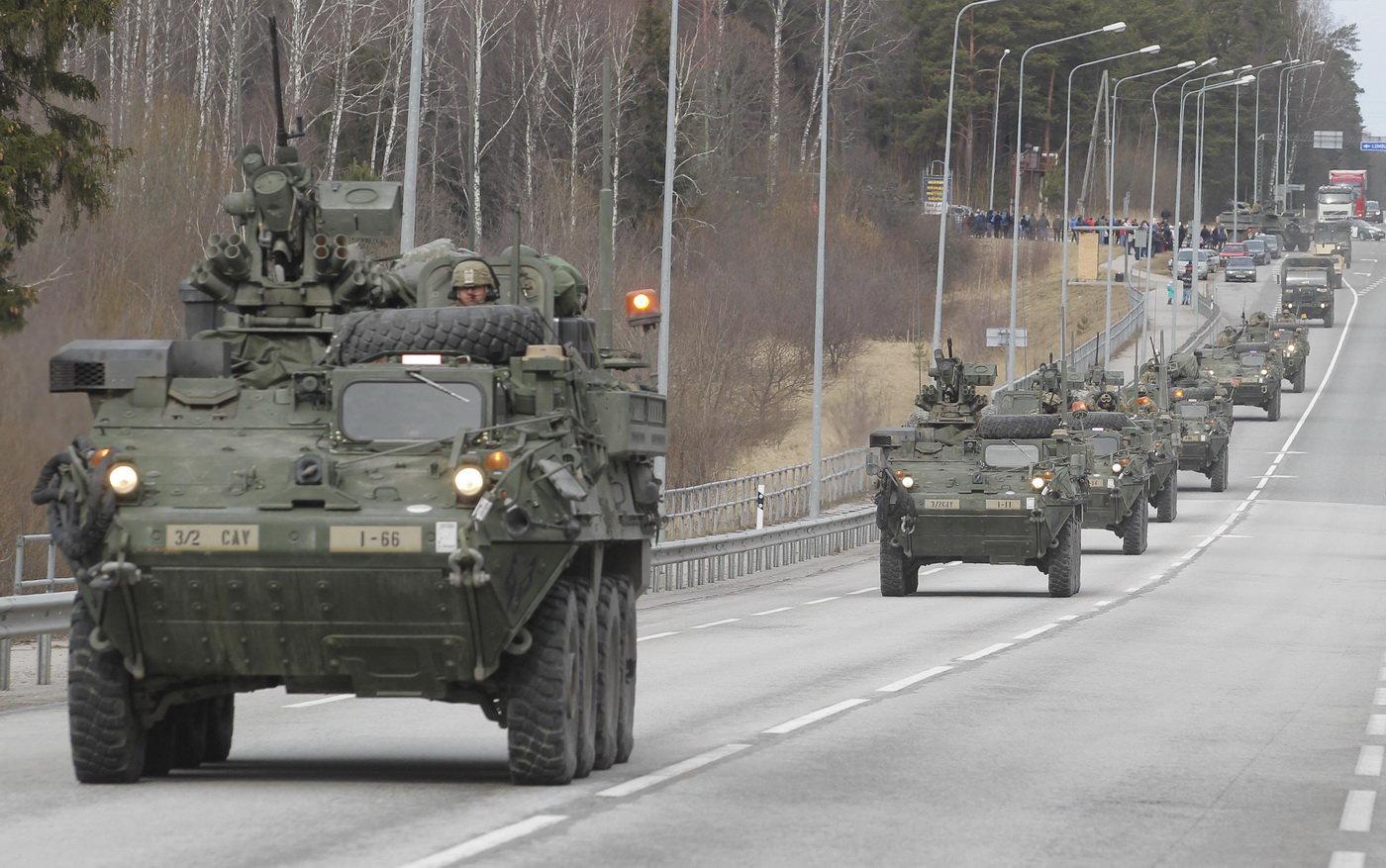Konvoj jednotek U.S. Army dostal název Dragoon Ride (Dragounská jízda). Tvoří ho téměř 120 vozidel při cestě z Pobaltí do Německa a projede šesti zeměmi střední a východní Evropy. V Česku bude mezi 29. březnem a 1. dubnem.