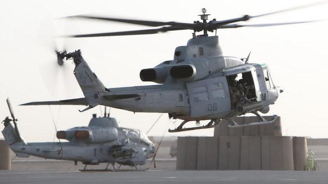 UH-1 Huey U.S. Marines