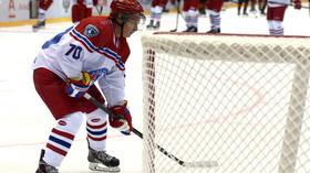 Takhle hraje hokej Putin