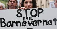 Demonstrace proti norské sociální službě Barnevern