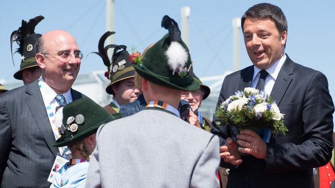 Summit G7 v Německu, Matteo Renzi (vpravo)
