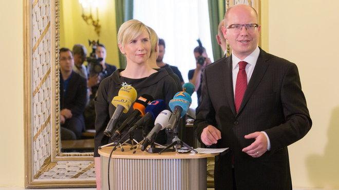Kateřina Valachová, ministryně školství s Bohuslavem Sobotkou /ČSSD/