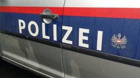 Rakouská policie zastavila autobus s Čechy, bylo podezření na nákazu koronavirem - anotační foto