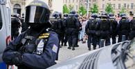 Zeman v Lánech jednal s poradci a ministrem vnitra. Řešily se priority policie - anotační obrázek