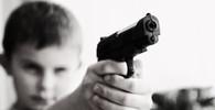 Chlapec na základní škole v USA postřelil tři lidi, předtím zabil svého otce - anotační obrázek