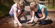 Mezi dětmi se šíří závažný problém: Třetina prvňáčků má kvůli obuvi deformovaná chodidla - anotační obrázek