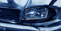 Tragická nehoda u u dálnice D5: Auto narazilo na benzínce do kamionu. Dva lidé zemřeli - anotační obrázek