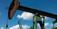 Největší ropné pole v plamenech. Kdo zaútočil na Saúdskou Arábii? Něco tady nesedí - anotační foto