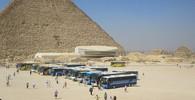 Autobus s turisty u Gízy zasáhla exploze, nejméně 16 zraněných - anotační foto