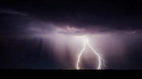 Česko zasáhnou silné bouřky, hrozí i kroupy - anotační foto