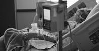 V Česku ožívá debata o eutanazii. Lékaři intenzivně debatují mezi sebou - anotační obrázek