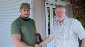 Jaromír Štětina v Mariupolu s velitelem dobrovolnického ukrajinského praporu AZOV a poslancem ukrajinského parlamentu Andrijem Bileckým. (Foto: Petra Procházková)