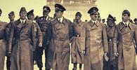 Adolf Hitler se prochází Paříží