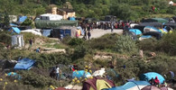 Migranti z Calais se chystají do Británie. Tábory by se měly přesunout, tvrdí starostka Calais - anotační obrázek