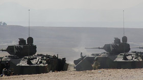 Šik proti Turkům: Asadova armáda se spojila s Kurdy, pronikla do strategických měst - anotační foto