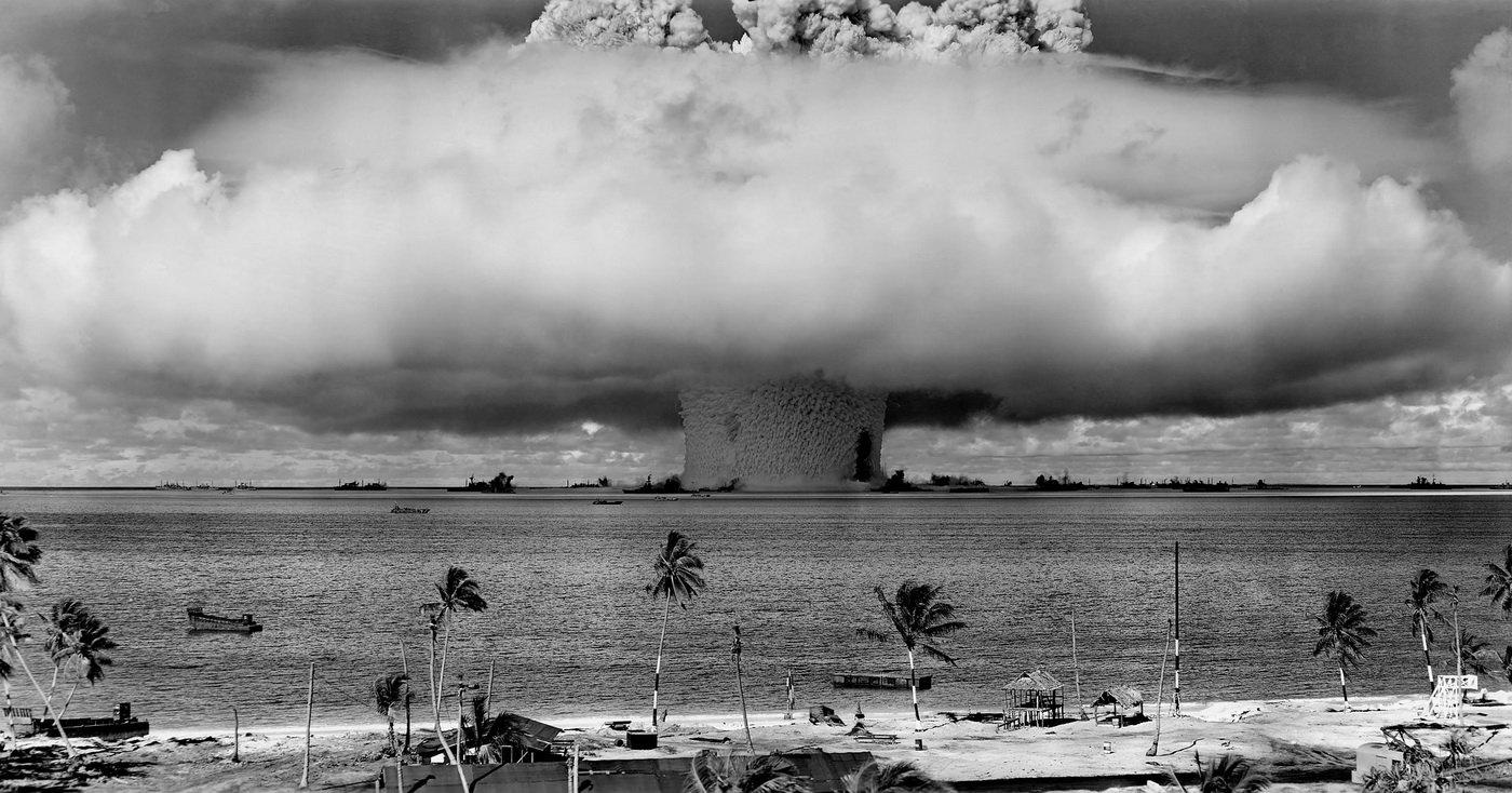 Lidstvo dělí propast, pomůže jen obrovská katastrofa, tvrdí historik - anotační obrázek