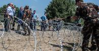 Stop Soros: Šéf Orbánova úřadu obhajoval protiimigrační zákony - anotační obrázek