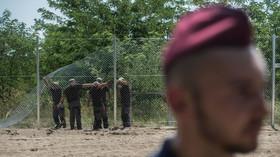 """Maďarsko dál bojuje proti uprchlíkům, buduje si armádu """"hraničních lovců"""" - anotační foto"""