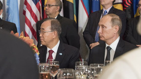 Pan Ki-mun /bývalý šéf OSN/ a Vladimir Putin v OSN