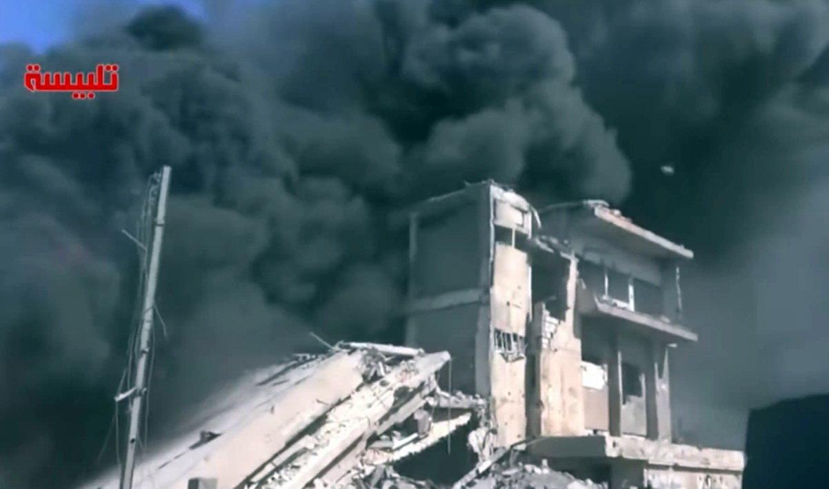 Ruské bombardování pozic ISIS a rebelů v Sýrii