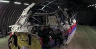 Sestřelený Boeing letu MH17 nad Ukrajinou: Zde na úlomcích letadala jsou vidět dirky po střepinách raketového systémmu BUK.