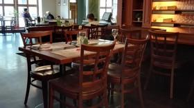 Majitel restaurace se vzbouřil. Navzdory zákazu otevřel, je odhodlán žalovat vládu - anotační foto