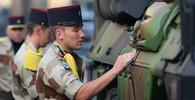 Němci a Francouzi budou spolupracovat na zbrojních projektech za miliardy, chystá se i společný letoun - anotační obrázek