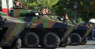 Macron dá víc peněz na armádu, má být schopna zasáhnout všude ve světě - anotační obrázek