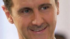 Bašár Háfiz al-Asad je od roku 2000 prezidentem Sýrie. Jeho otcem je předchozí prezident Háfiz al-Asad.
