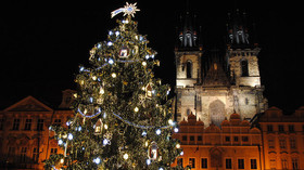 Vánoční strom na Staroměstském náměstí 2016