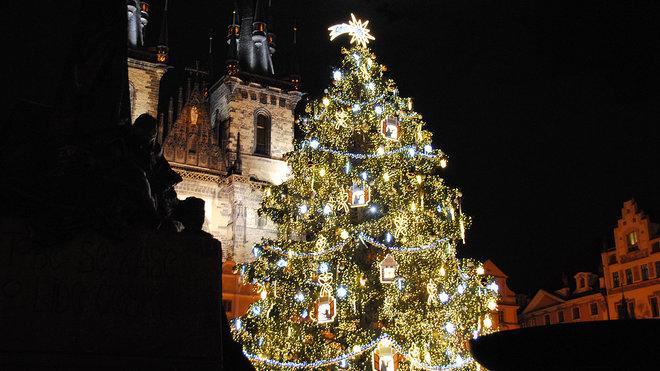 Vánoční strom na Staroměstském náměstí 2015