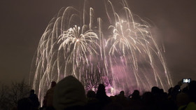 Novoroční ohňostroj nad Prahou (1. ledna 2016)
